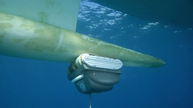 First Underwater Drone For The Care Of Your Hull