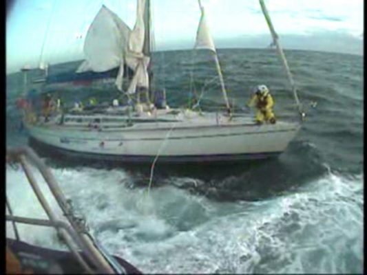 A towline is attached to yacht Marathon. Credit RNLI