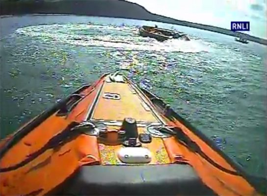 New Quay RNLI inshore lifeboat launched to out-of-control boat
