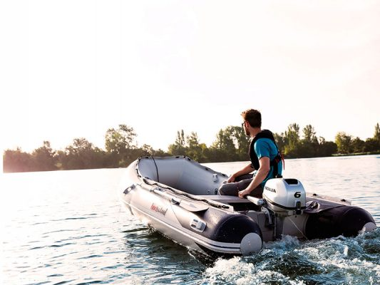 Outboard maintenance tips - step by step 4-stroke guide