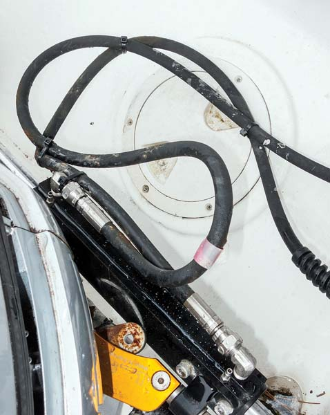 How to replace hydraulic steering hoses and refill the