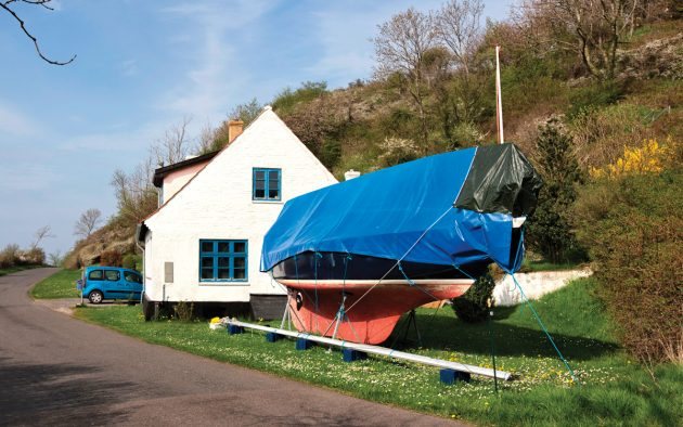 A yacht well protected against the ravages of winter. Photo: Alamy / Bernhard Classen