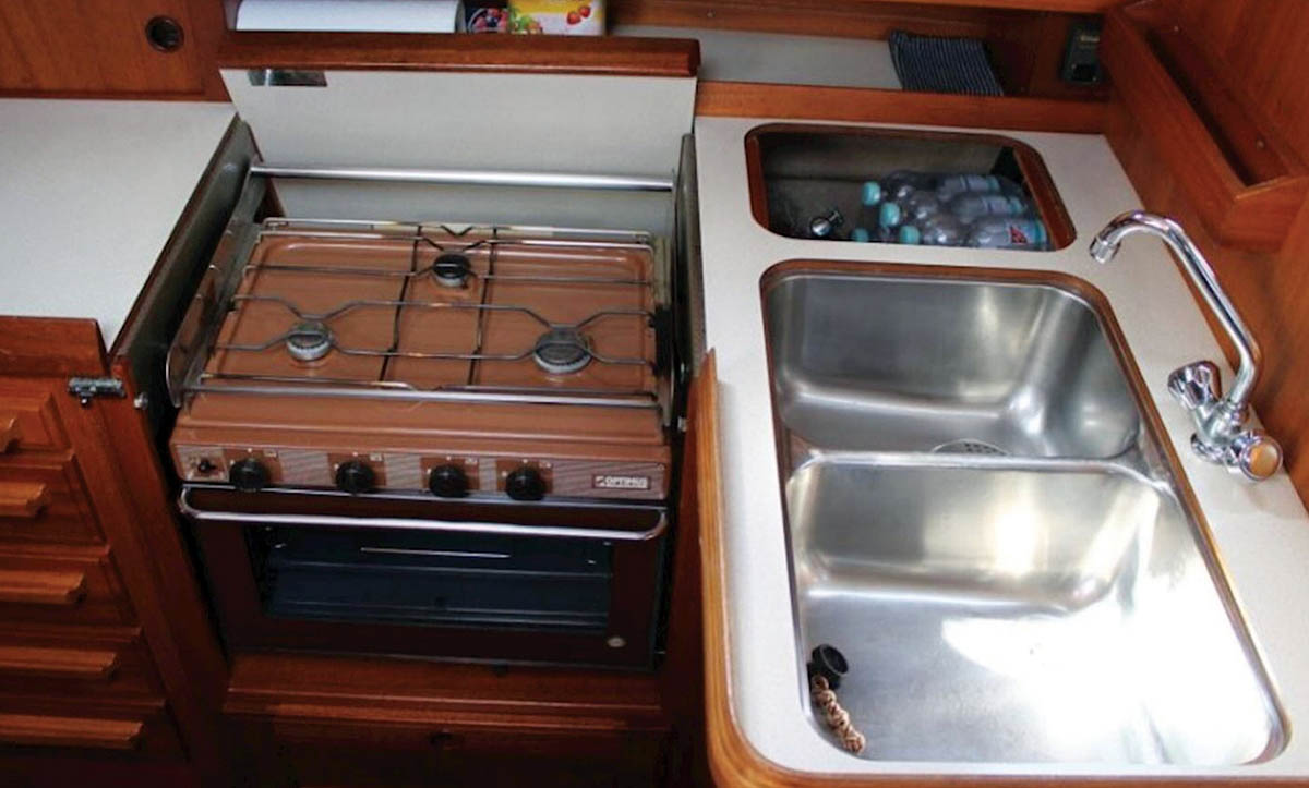 Twin galley sink won't drain – what do