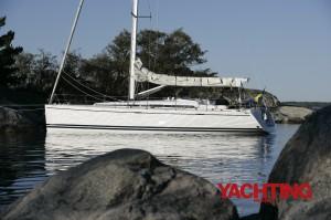 Arcona 430 at anchor