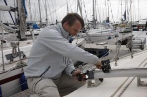 Crash Test Boat Dismasting