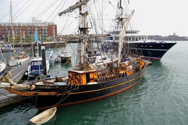 Tres Hombres and Leander G