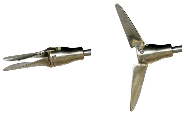 How do folding propellers work — photo 1