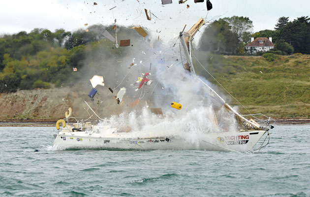 Crash Test Boat Gas Explosion