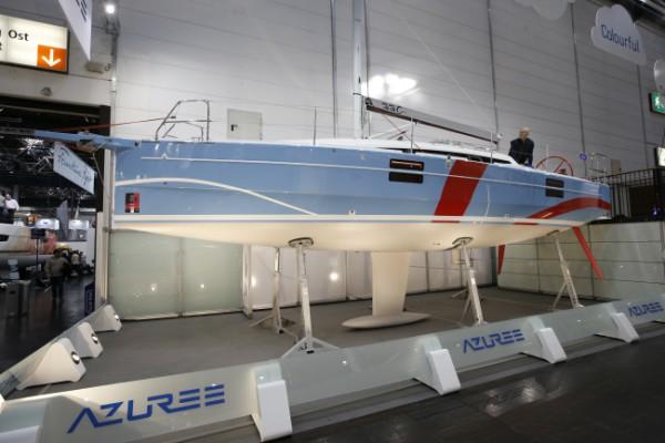 Azuree 33c yachting monthly for Salon nautisme