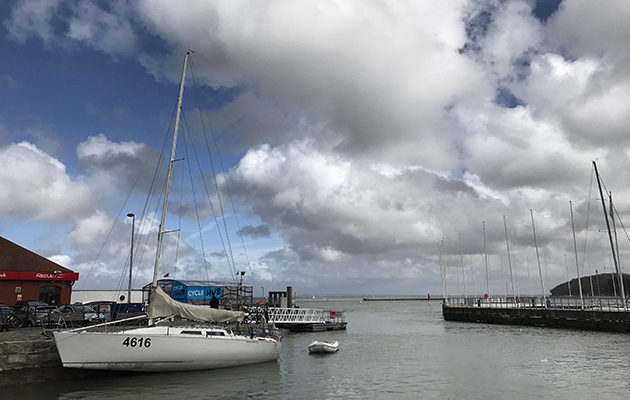 Even with an experienced crew, Cowes Town Quay is a tight spot to tack a cruising yacht into. Credit: Alamy