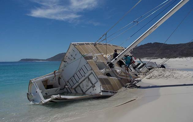 CV24 aground in South Africa. Credit: Clipper Round the World