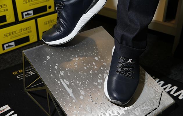 U-Sail Spider shoe