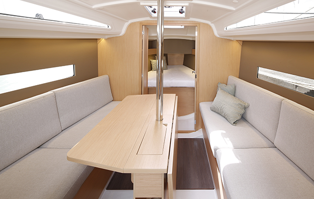 Saloon on Beneteau Oceanis 30.1