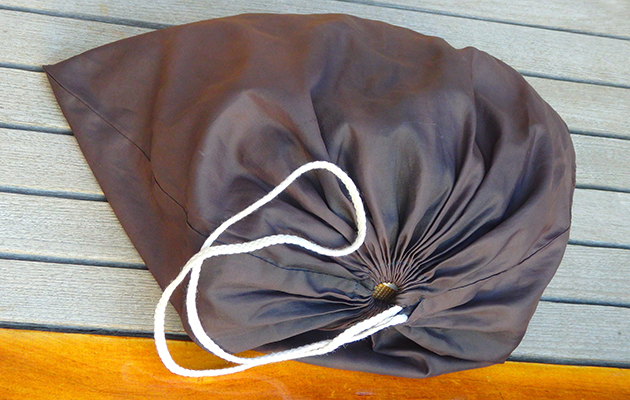 A black bag can be used to dry laundry while afloat