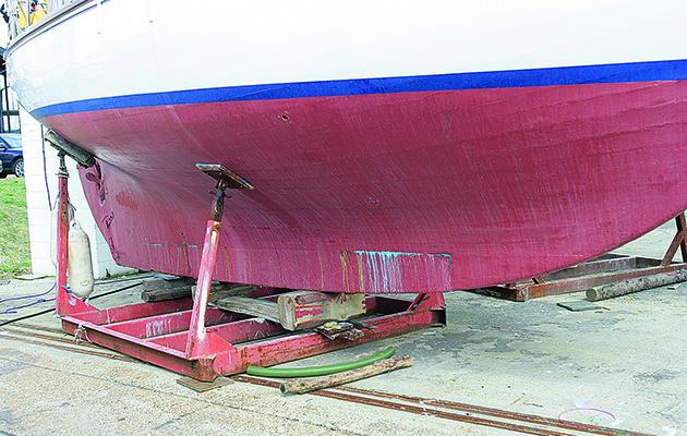 Yacht à longue quille