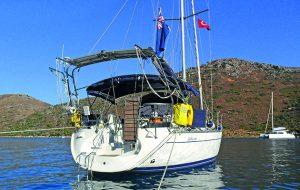 A Jeanneau Sun Odyssey 40 anchored