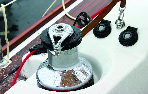 treuil motorisé sur un yacht
