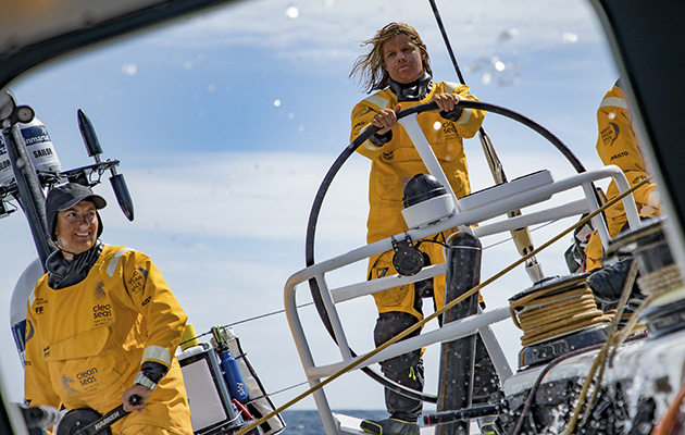 Dee Caffari and her Turn the Tide on PLastic crew in the Volvo Ocean Race