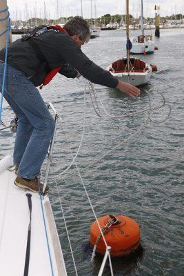 Tips to moor - lasso your mooring buoy