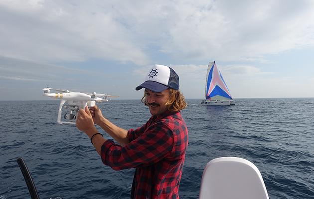 Riley Whitelum avec un drone