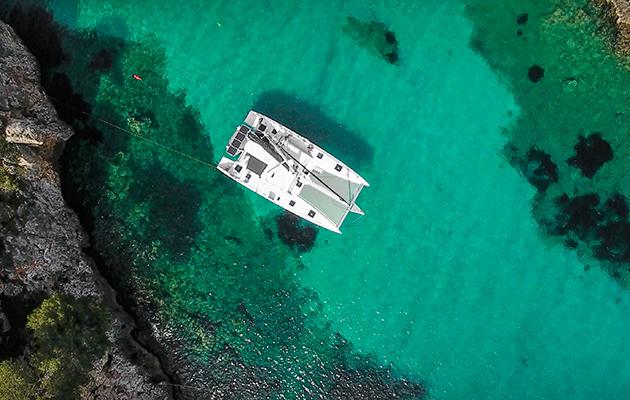 Naviguer sur La Vagabonde depuis les airs