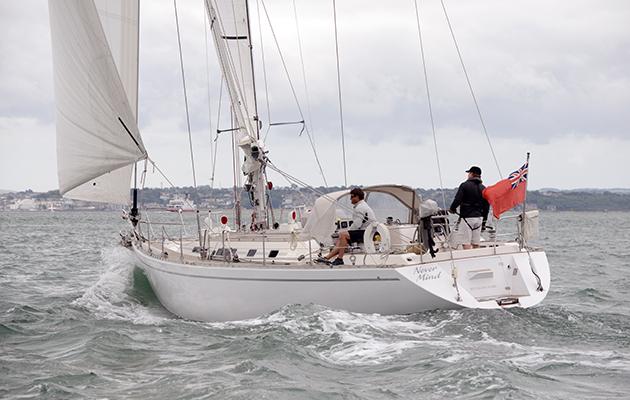 """Wauquiez Centurion 48s: """"un yacht à Voile pur-sang''"""