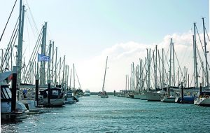 How to manoeuvre into a berth at a blustery and busy marina