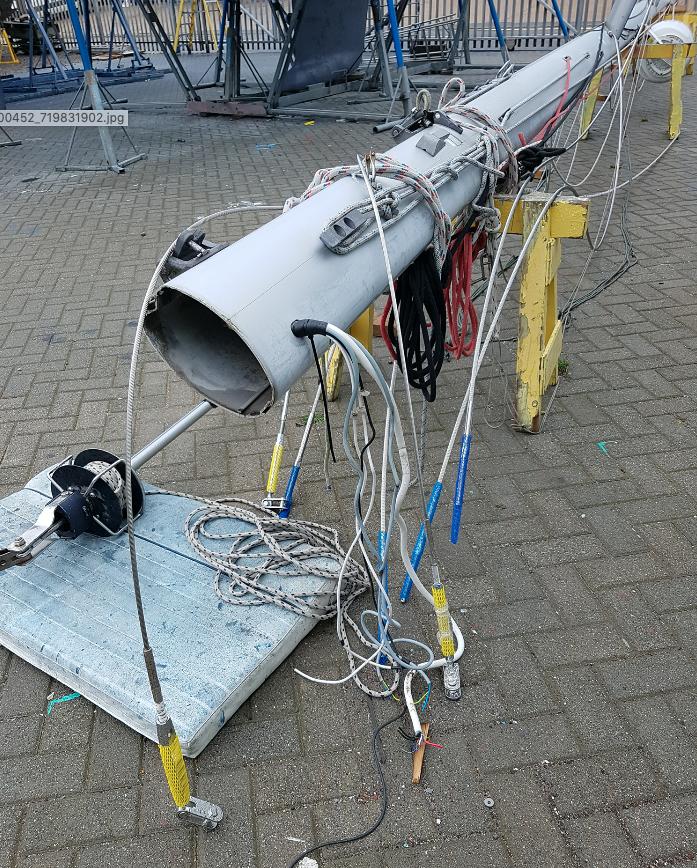 A yacht mast