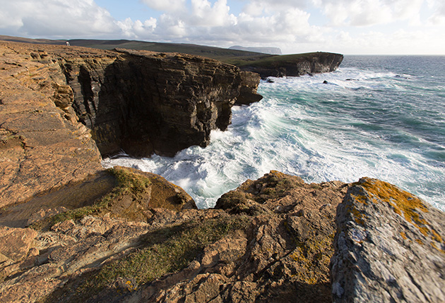 Waves close to a cliff in Orkney