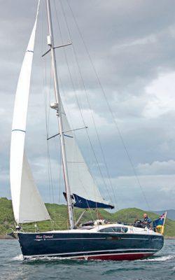 Avis Jeanneau-Sun-Odyssey-45DS-blue-damsel2-credit-Theo-Stocker