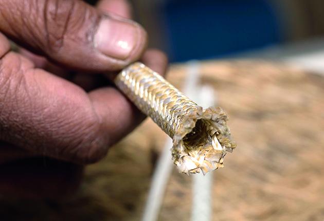 Many modern fibres do not melt, making them fray easily when cut
