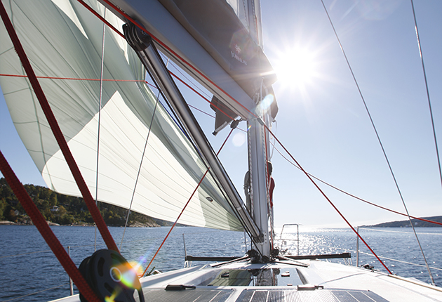 Easy ways to power up your mainsheet - Yachting Monthly