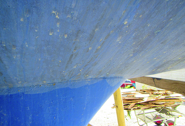 When buying a boat, check the Hull-keel join on a yacht