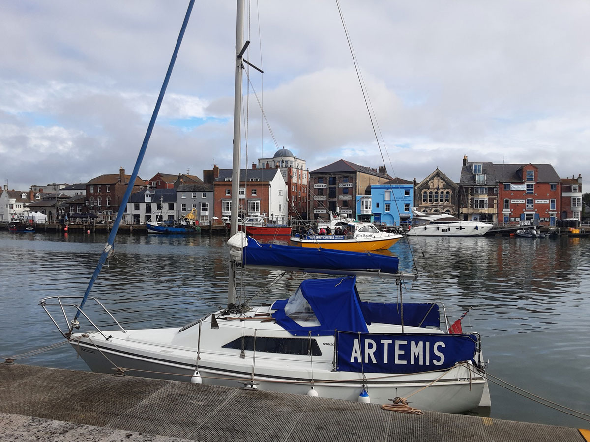 Murdoch McGregor is sailing Artemis