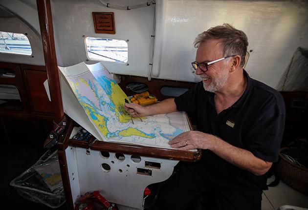 Mark Sinclair dong navigation work