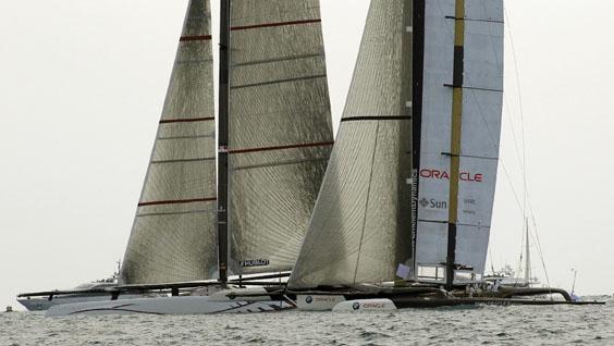 AC33 Race 2 start