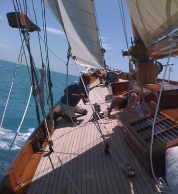 Eilean sailing