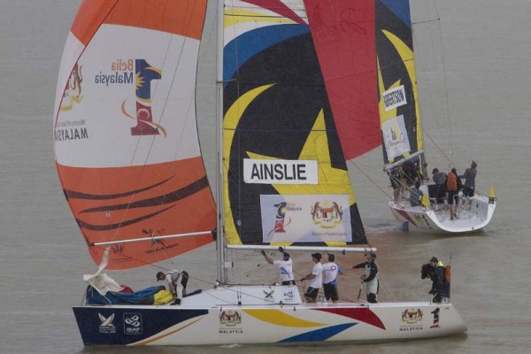 Monsoon Cup 2010, Ainslie v Robertson