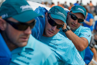 SAIL DAY: Telefonica take great care in loading their sails on board