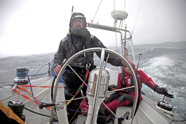 Le nouveau yacht d'expédition de Skip Novak prend forme chez KM Yachtbuilders | Pelagic 77