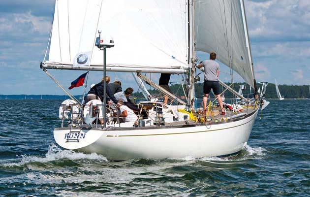 Yacht Gunn: 1960s Sparkman & Stephens Swan 43