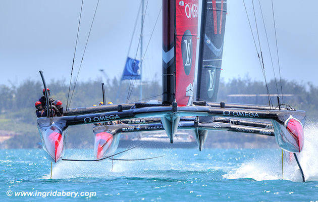 Pure speed of Emirates Team New Zealand crushes defenders