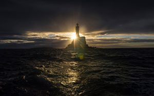 fastnet-rock-sunset-2017-credit-rolex