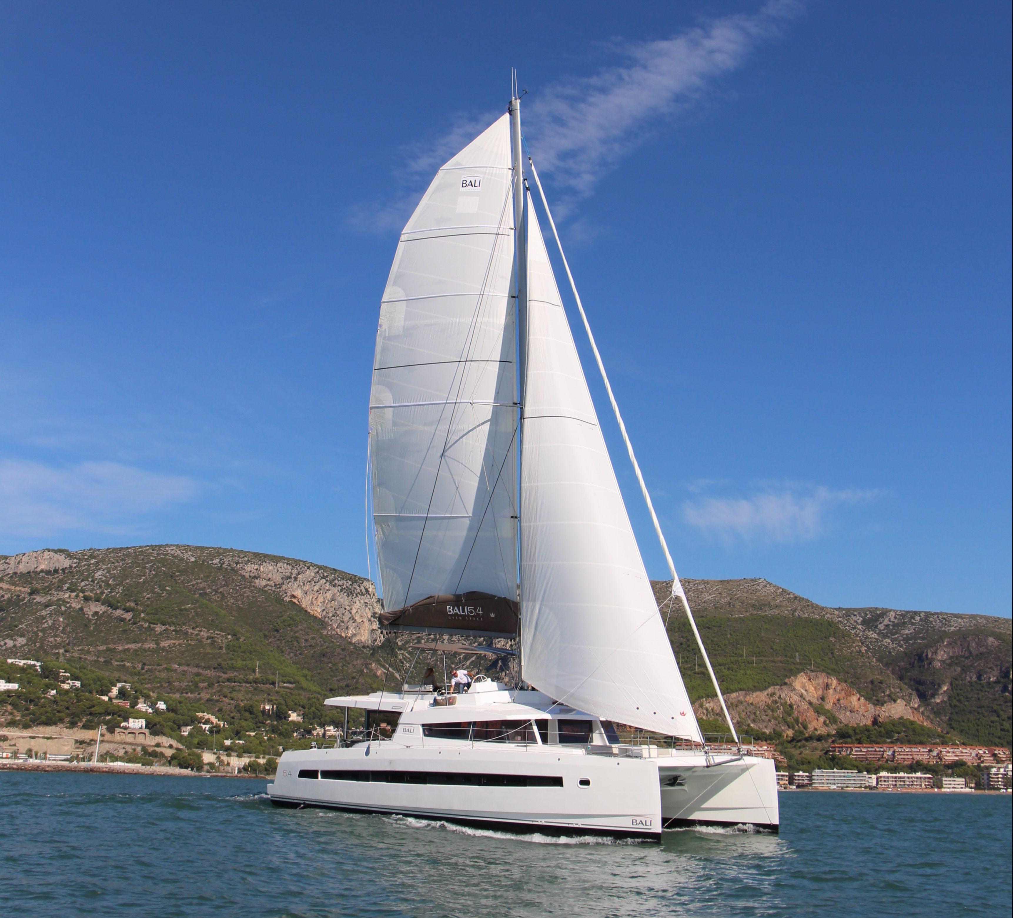 Bali 5.4 sailing