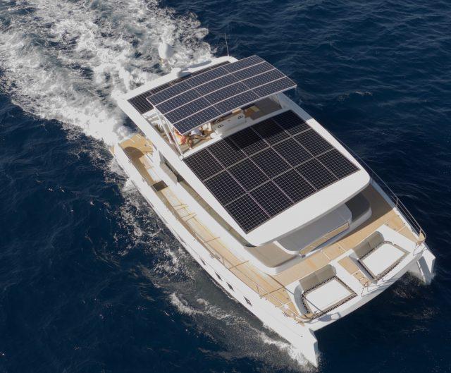 Silent 55, l'extraordinaire yacht à énergie solaire | Powercat