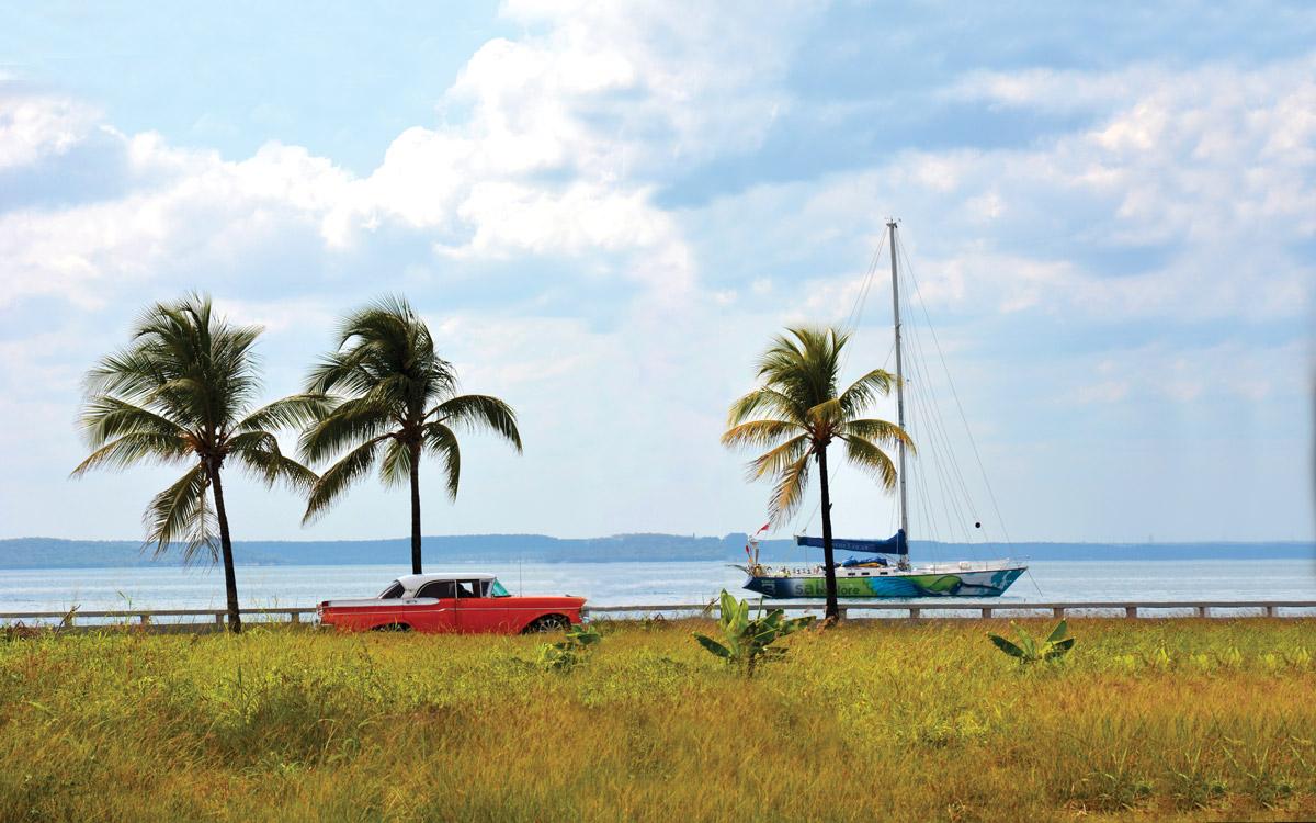 cruising-cuba-Hummingbird-yacht-cienguegos
