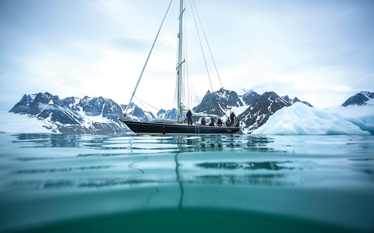 sailing-svalbard-isbjorn