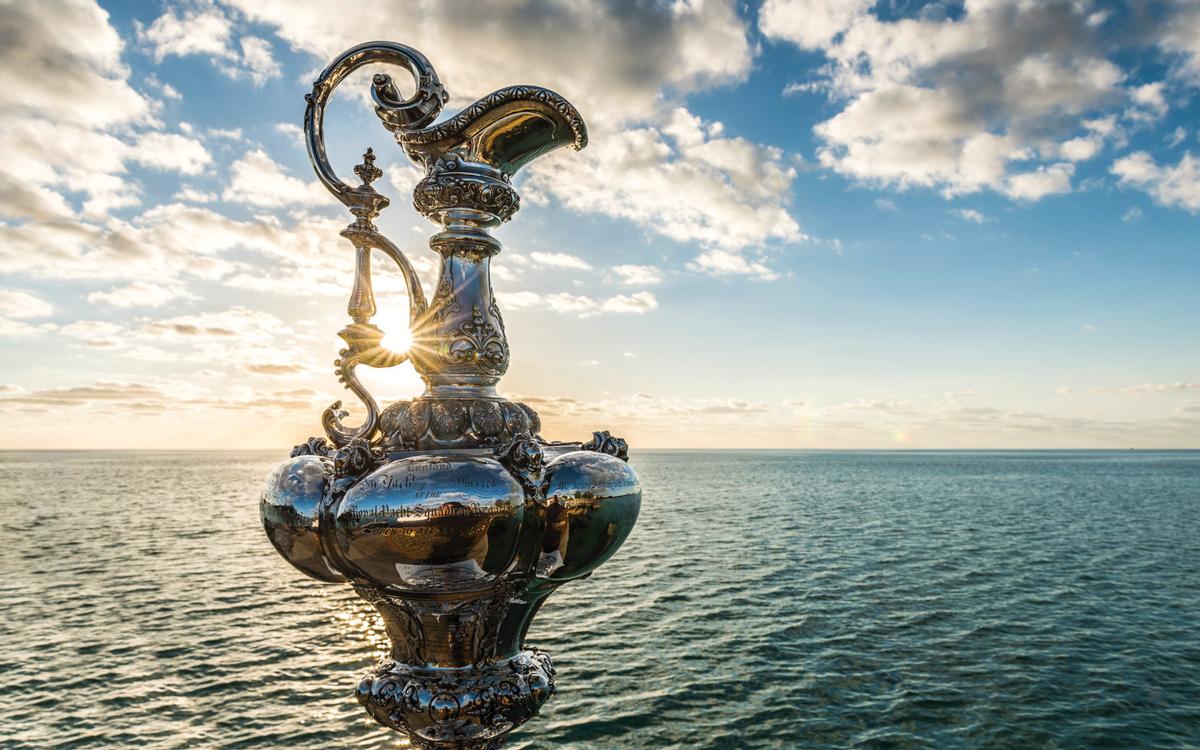 americas-cup-trophy-credit-ricardo-pinto