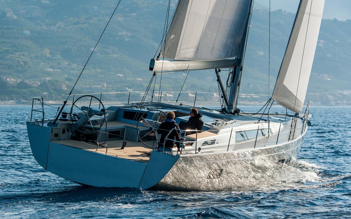 grand-soleil-52lc-boat-test-aft-running-shot-credit-fabio-taccola