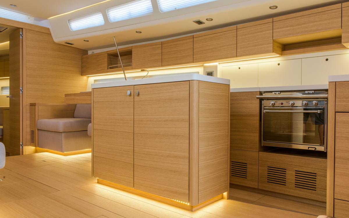 grand-soleil-52lc-boat-test-galley-credit-fabio-taccola